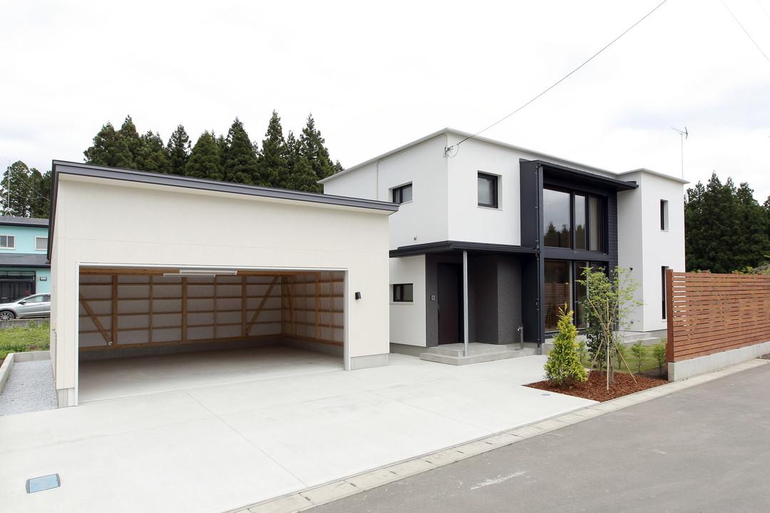 建築工房クーム有限会社 日差と空を楽しむ家 外観のサムネイル画像