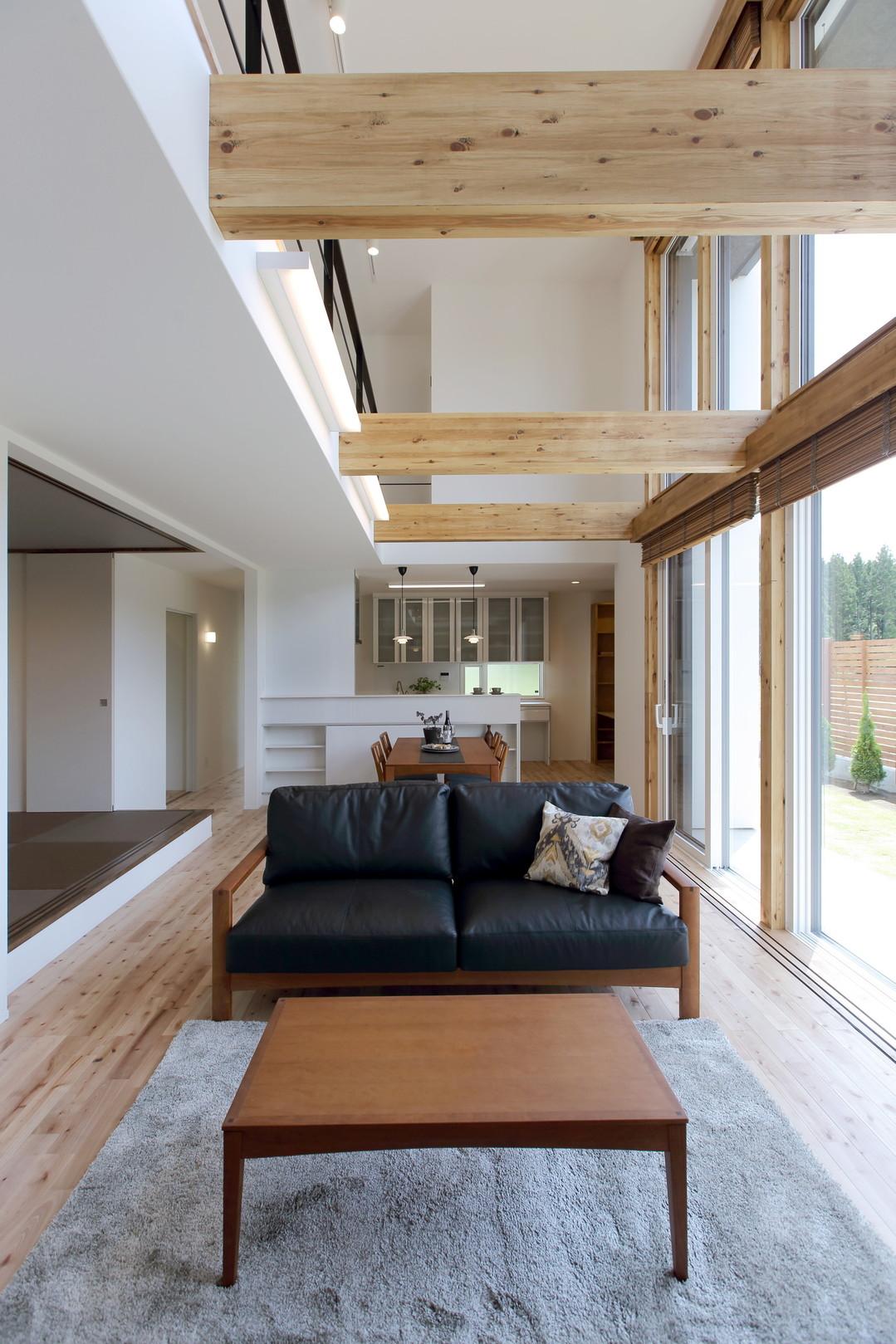 建築工房クーム有限会社 日差と空を楽しむ家 内観のサムネイル画像
